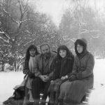 Кр. Банев със студентки